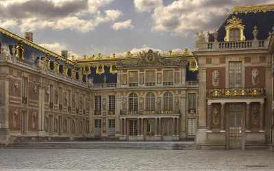 Let's visit the Palace of Versailles without going to Versailles